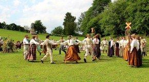 Varakļuonūs folklorys kūpys nu Reigys i Rēzeknis vuiceisīs Latgolys folklorys boguoteibys