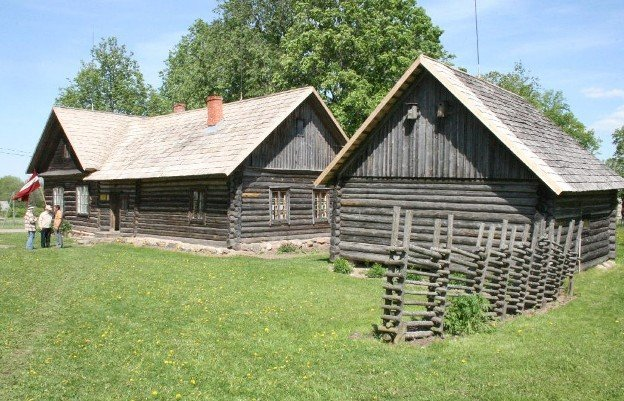 Trasuna muzejs KOLNASATA: oluts http://www.rezeknesnovads.lv/rrp/lv/content/archive/2/1/33/?p_id=1039