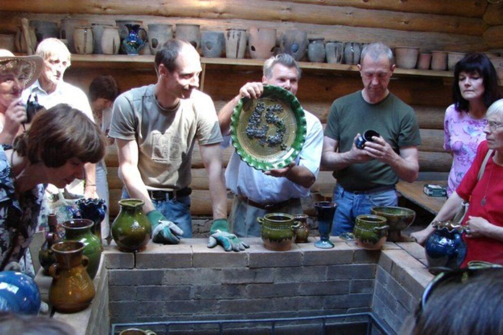 Senejūs pūdnīceibys tradiceju globuotuoji – Ušpeļu saime