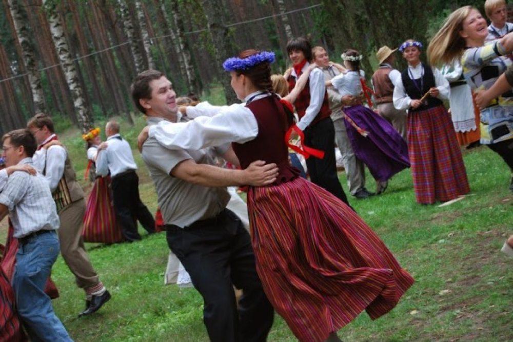"""Zīmeļlatgolā nūtiks IV Storptautyskais tautys deju festivals """"Eima, eima"""""""
