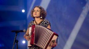 Saruna ar Lauru Bicāni par muzyku, volūdom i nuokūtnis planim