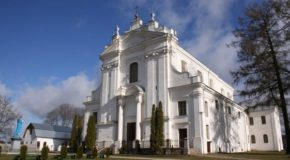 Kruoslovys Rūmys katuoļu bazneica svieteis 250 godu jubileju