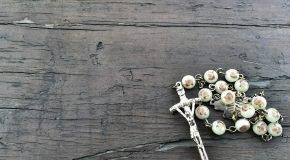 10 pāvesta Franciska dzeivis atzinis