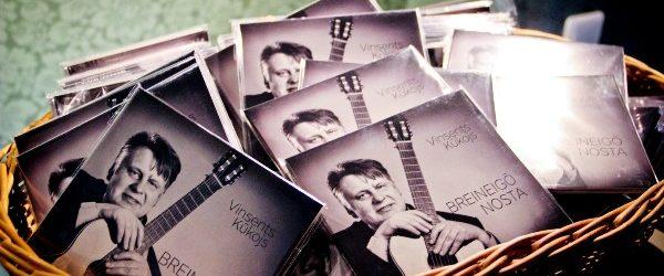 Vinsents Kūkuojs nūsvietej pyrmuo albuma izīšonu